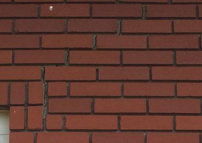 Fissure et lézardent dans la brique  Réparation de fissure de fondation intérieur et extérieur à Mascouche- Alain Fissure
