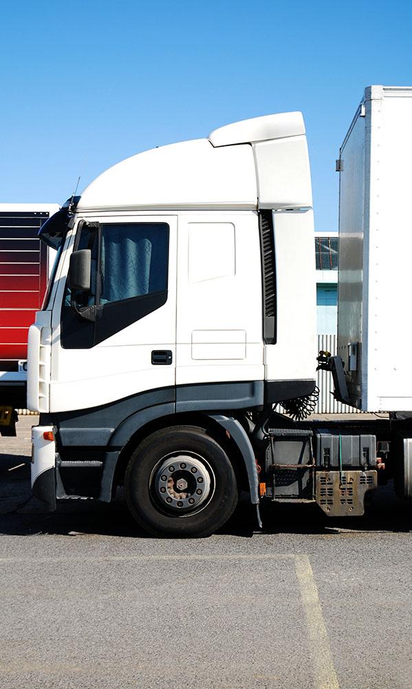 Service de transport de matériaux lourds par camion 12 roues à Laval - Alain Fissure à Mascouche
